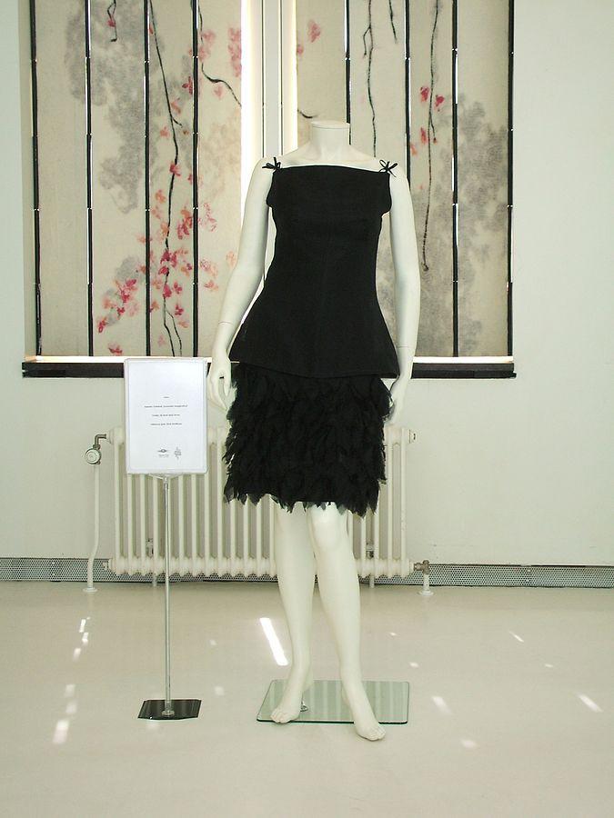 """Anneke Grönloh 1964 Eurovision dress"" by M.N.A. van den Bogaart - Own work. Licensed under CC BY-SA 3.0 nl via Wikimedia Commons - http://commons.wikimedia.org/wiki/File:Anneke_Gr%C3%B6nloh_1964_Eurovision_dress.jpg#/media/File:Anneke_Gr%C3%B6nloh_1964_Eurovision_dress.jpg"